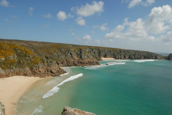 Halwell Lodge: Our favourite beach...Porth Curno.