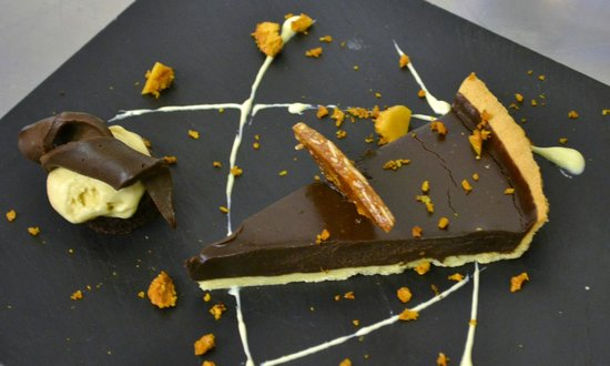 Hartington, UK: Chocolate Tart with Honeycomb and Almond Brittle