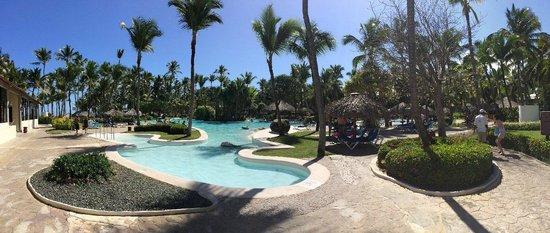 Bavaro Princess All Suites Resort, Spa & Casino : la piscine