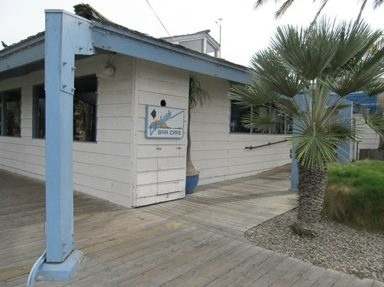 Beachside Bar-Cafe: outside view