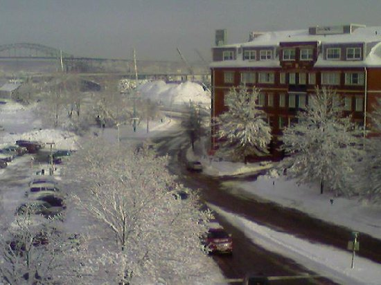 Residence Inn Portsmouth Downtown/Waterfront: View from our room morning after the storm.