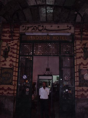 Windsor Hotel Cairo : front of the Windsor