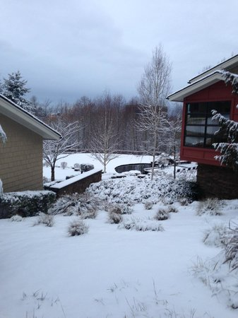 Cedarbrook Lodge: Beautiful yet 5 minutes from SeaTac