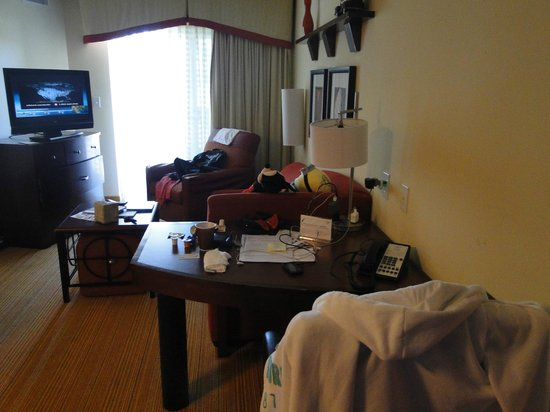 Residence Inn Fort Myers Sanibel: escritorio y estar