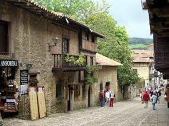 Posada Rural La Cabaña de Salmón: Santillana del Mar