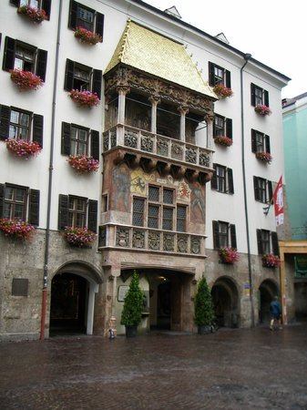 Hotel Weisses Kreuz : The Golden Dachl