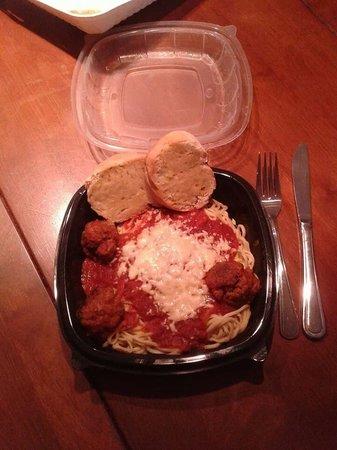 Casa di Luci: Spaghetti and Meatballs to go