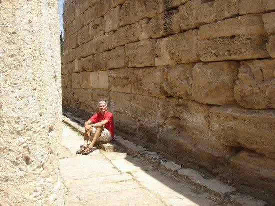 Hierapolis & Pamukkale: Hierapolis' historic latrines in Turkey