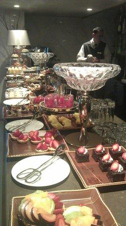 Rixos Pera Istanbul : afternoon teatime (30 TL per person)