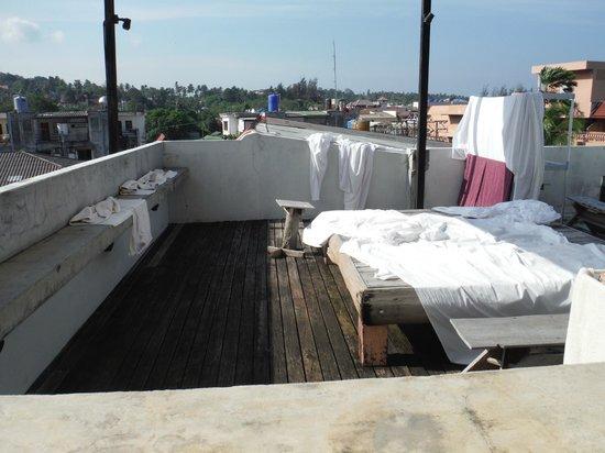 Bazoomhaus: jacuzzi roof.....