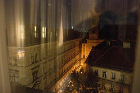 Hotel Altstadt Vienna: Вид из окна