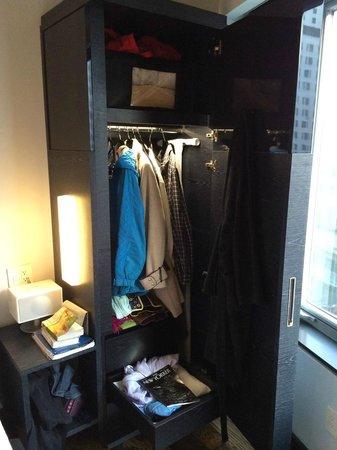 Hyatt Union Square New York : The wardrobe/closet.