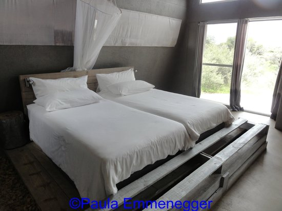 N/a'an ku se Lodge and Wildlife Sanctuary : Room at the Lodge