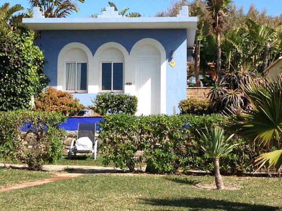 Hotel Dos Mares: Our 1 bedroom bungalow with seaview