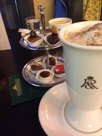 Rausch Schokoladenhaus : Hot chocolate and tasters of delicious chocolates!
