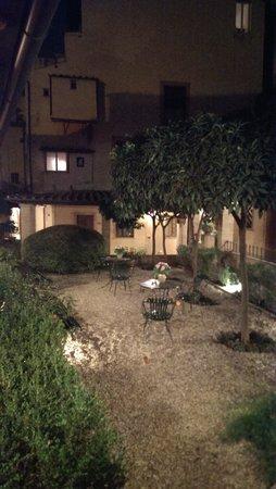 Hotel Santa Maria: Innenhof