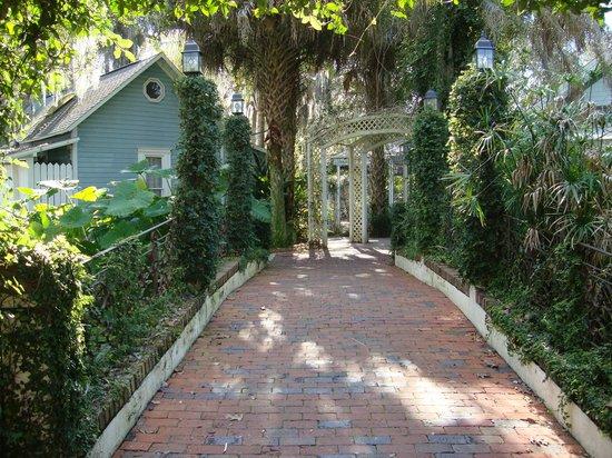 Sweetwater Branch Inn : The Bridge