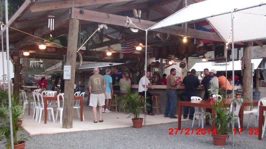 Cowboys Cantina & Outside Grill: Cowboy bar