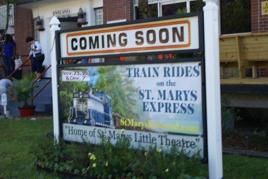 St. Marys Railroad: A nice welcome!