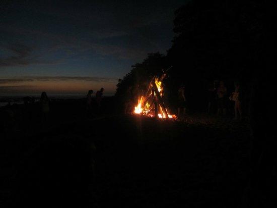 Villas Santa Teresa : bonfire on the beach