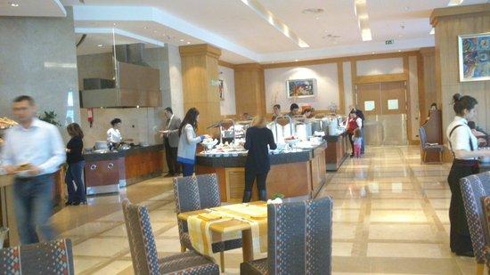Wyndham Grand Izmir Ozdilek : Kahvaltı Büfesi