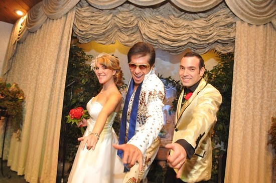 Viva Las Vegas Wedding Chapel : Con Elvis