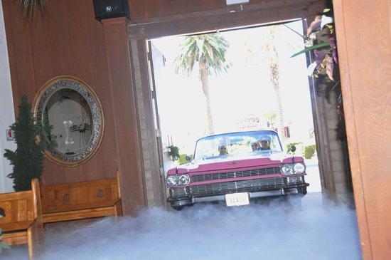 Viva Las Vegas Wedding Chapel : Entrando