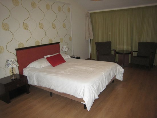Club Aphrodite Erimi : bedroom