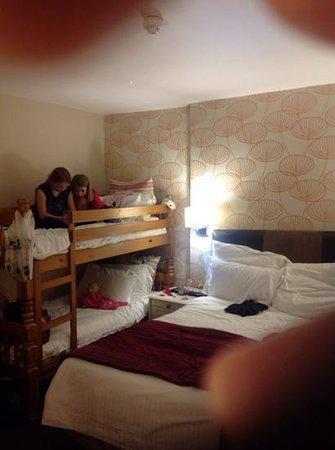 Battlesteads Hotel: Enjoying the Bunk Beds!