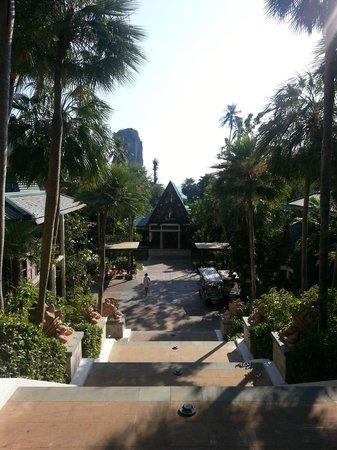 Centara Grand Beach Resort & Villas Krabi: towards reception
