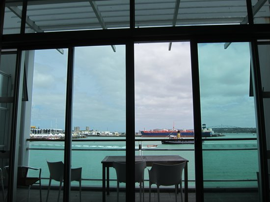 Auckland Waterfront Serviced Apartments: View from living room across balcony
