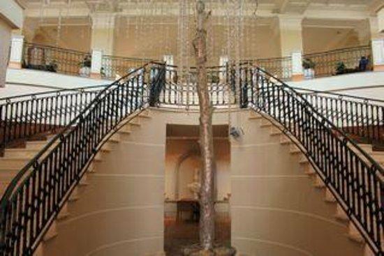 The Westin Dragonara Resort, Malta: inside hotel lobby area upstairs