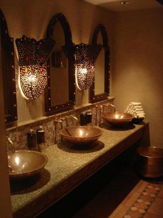 Jumeirah Dar Al Masyaf at Madinat Jumeirah: The luxury of public toilets at Madinat Jumeirah Resort in Dubai