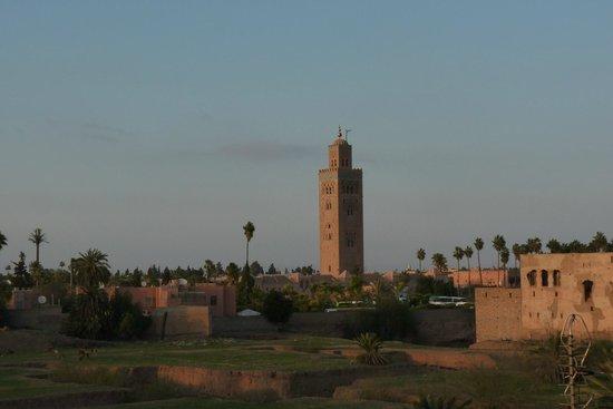 Riad Sidi Mimoune : coucher de soleil sur la koutoubia vue de la terrasse