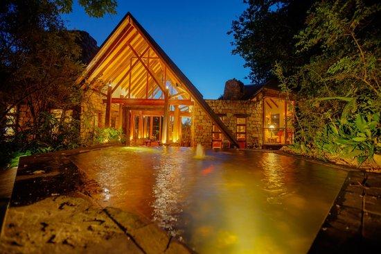 Tsala Treetop Lodge: the lodge reception area