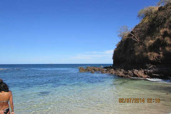 Reserva Conchal Beach Resort, Golf & Spa : rocky north end of beach