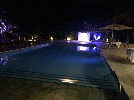 Tortuga Bay Hotel Puntacana Resort & Club: Pool at Night