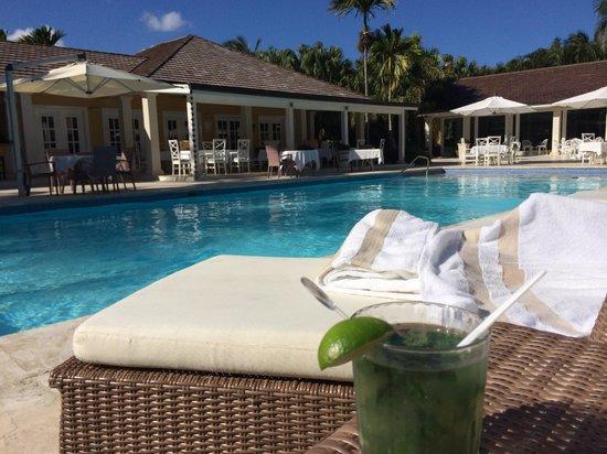 Tortuga Bay Hotel Puntacana Resort & Club: Pool at Bamboo Restaurant