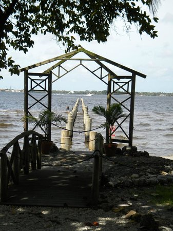 Edison & Ford Winter Estates : The remains of the dock