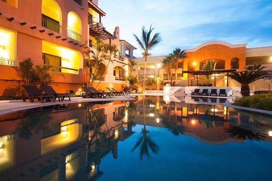 Marina Fiesta Resort & Spa: Our second pool ....
