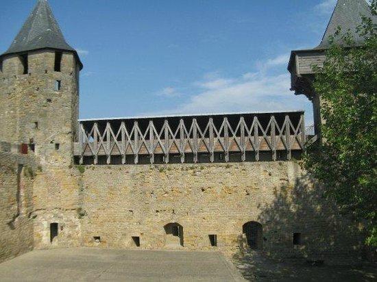Liste des comtes de Carcassonne : Hoardings