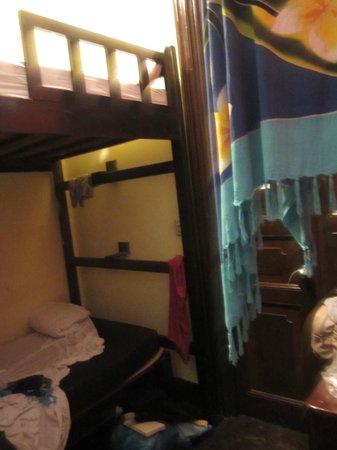 Luna's Castle Hostel: Notre placard à balais !
