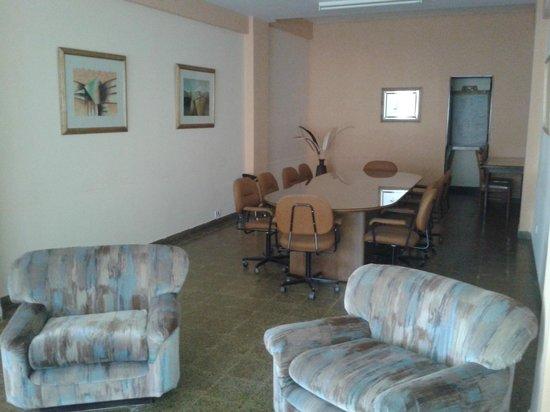 Hotel Huemul: Sala de reuniones