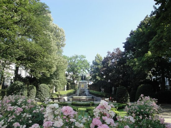 Jardin du Petit Sablon : Petit Paradise