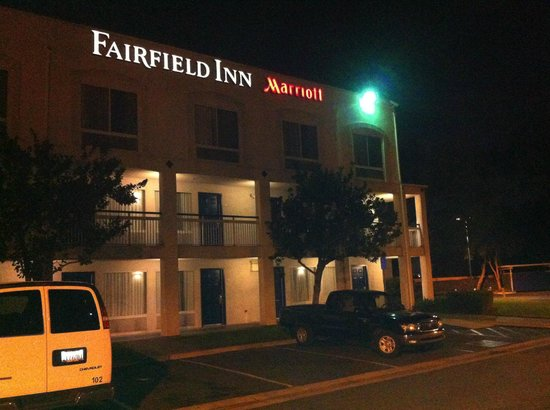 Fairfield Inn Ontario : Estacionamento