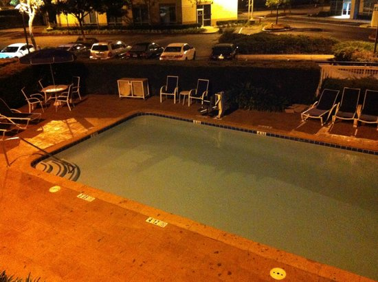 Fairfield Inn Ontario : Piscina