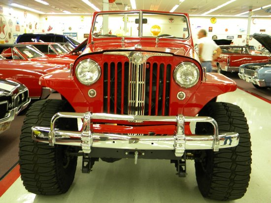 Muscle Car City Museum: Jeepster