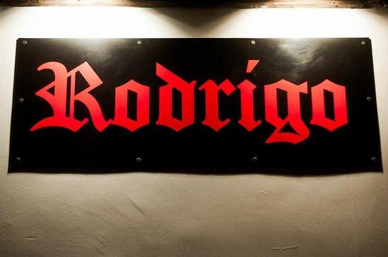 Rodrigo: Logo