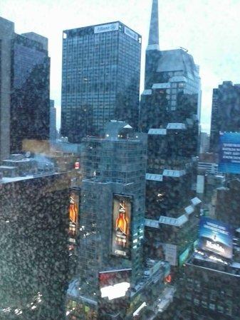DoubleTree Suites by Hilton Hotel New York City - Times Square: Vista da janela do quarto