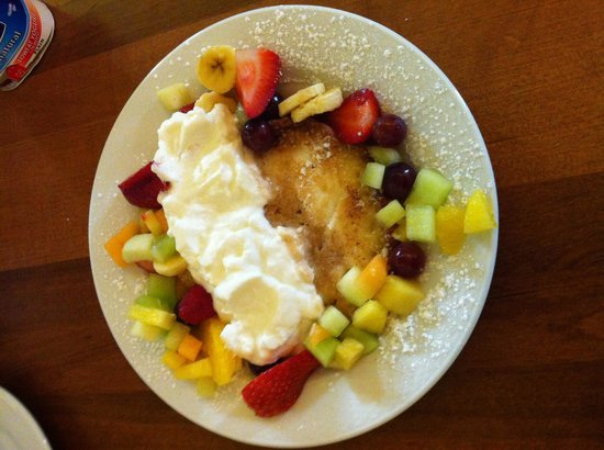 Hotel Mazarin: Made to order pancakes or omelettes